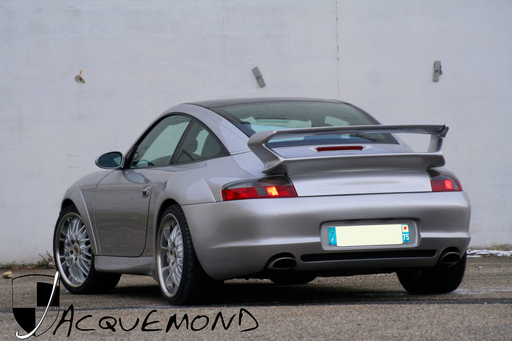 Porsche 996 : wide body set by Jacquemond